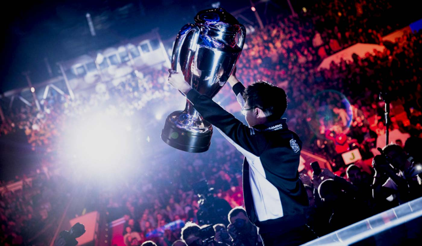 Esports: from niche market to sport of the future - Johan ...