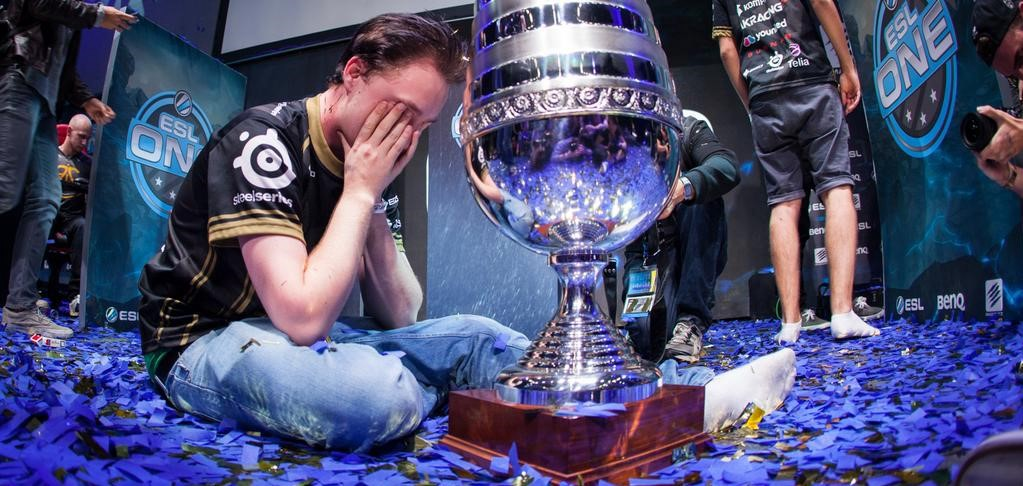 Why people play esport games — a short academic literature ...